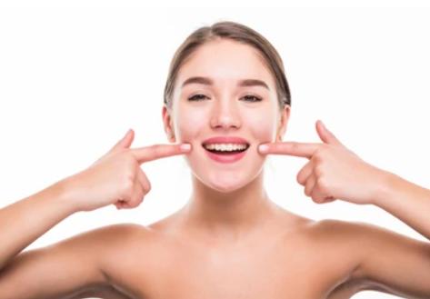 smile-protect-zahnversicherung-lächelndes-mädchen